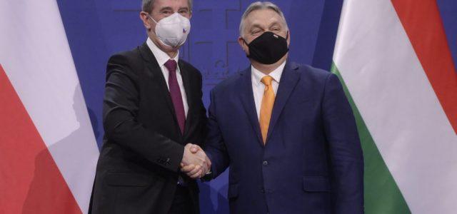 Orbán: Ha nem fogadja el valaki az éppen elérhető vakcinát, elmegy a sor végére