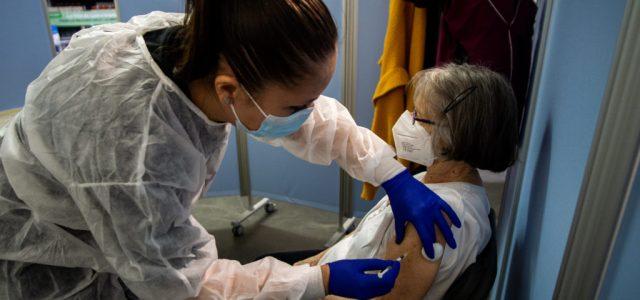 Csak egy dózist javasolnak a vakcinákból a fertőzésen már átesetteknek Franciaországban