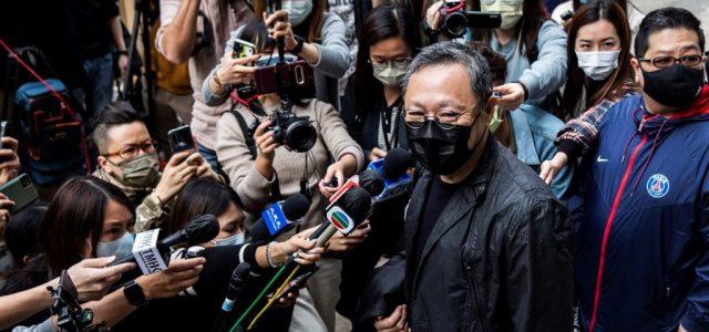 47 demokráciapárti aktivistát vettek őrizetbe Hongkongban