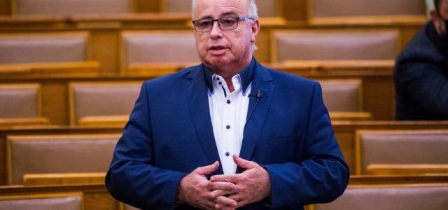 Stratégiai egyeztetésekért felelős miniszteri biztost nevezett ki Gulyás Gergely
