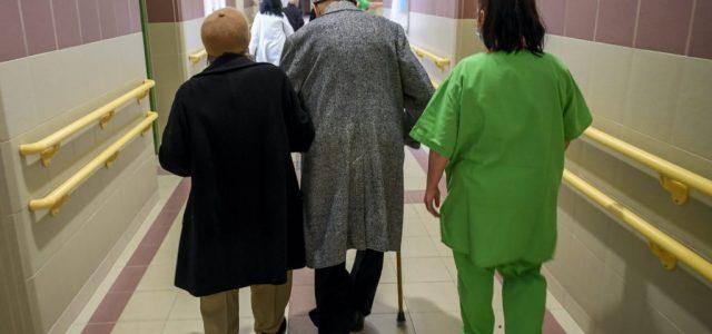 Egyre több a beteg, újabb épületetet nyitnak meg a debreceni klinikán
