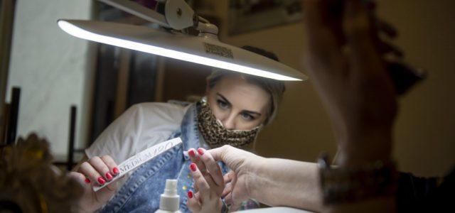 Email-kampányba kezdtek a bezárásra ítélt szépségipari vállalkozók