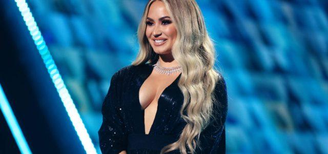 Túladagolása után megvakult Demi Lovato, utána is csak részlegesen javult a látása