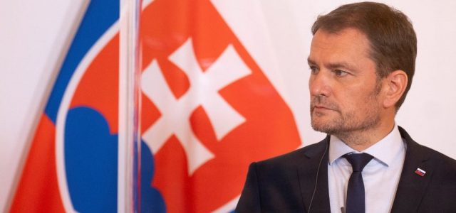 A szlovák kormányfő tisztséget cserélhet a pénzügyminiszterével
