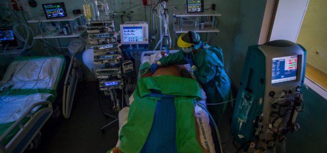 Több kórházban a lélegeztetőgépen lévők 95 százaléka belehal a koronavírus szövődményeibe