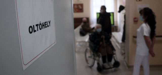 """Magyarország is támogatta a """"szolidaritási vakcinát"""", így kevesebb Pfizert kapunk"""
