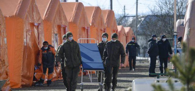 Ukrajnában lakosságarányosan harmadannyi halálos áldozata van a vírusnak, mint Magyarországon