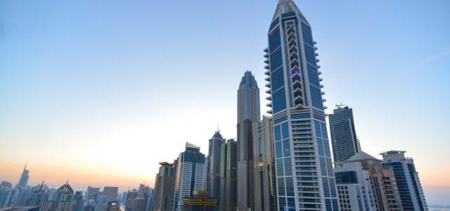 Egy csapat nő meztelenkedett Dubajban, börtönt kaphatnak érte