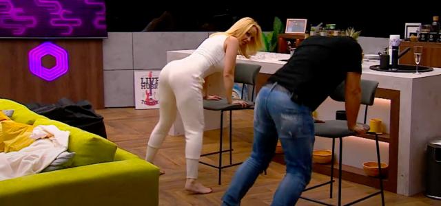 Köllő Babett twerkelni tanítja Hajdú Pétert az ottalvós műsorában