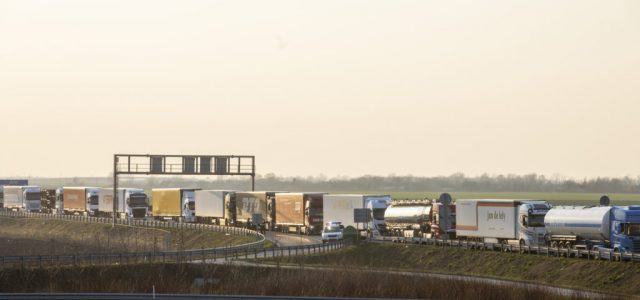 Három kilométeres a kamionsor Románia felé
