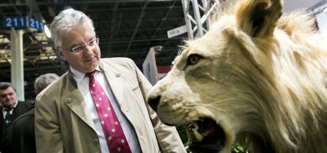 Százmilliók ügyvédekre, tízmilliók a Hír TV-nek – így költ a vadászati kiállítást szervező cég